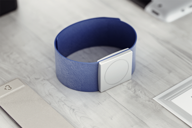 rendering of a smart watch with wrist band and sliver case