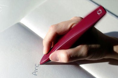 close up of arc pen that can help patients with parkinson's disease write legibly