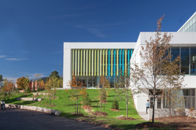 Exterior Meadowvale Commnity Center and Library