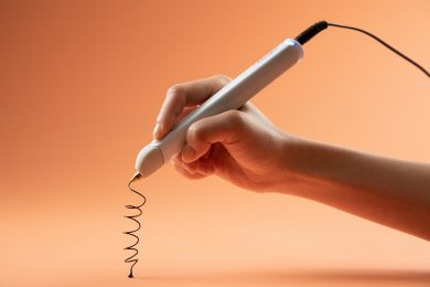 The WobbleWorks 3Doodler Create+ being used to create a spiral